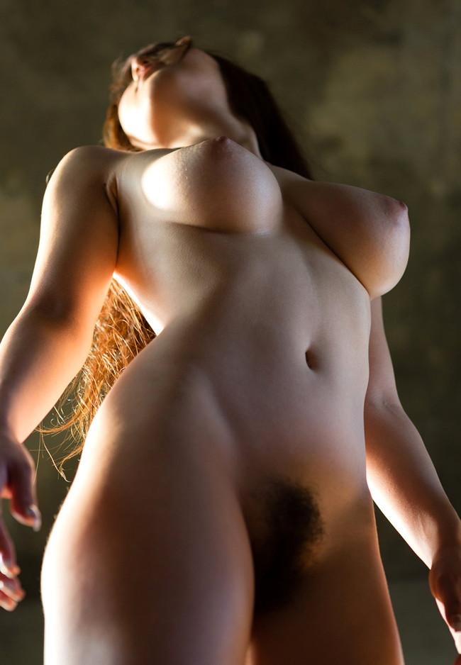 【ヌード画像】おっぱいは下から見上げるためにある。スライムのような見事な下からアングルのおっぱい画像集(50枚) 22