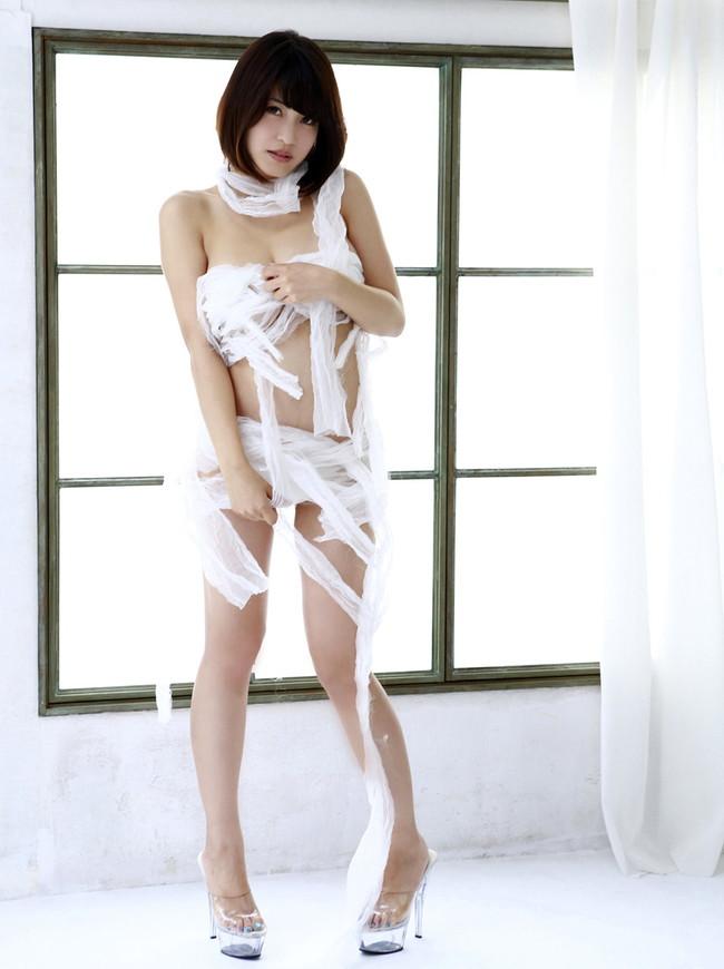 【ヌード画像】包帯巻いてるヌード画像って得も言われぬエロさがあるよね!どう見てもケガ関係なく包帯巻いてるエロ画像集(50枚) 26