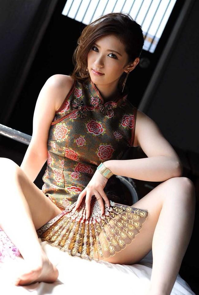 【ヌード画像】チャイナドレスってきらいな野郎はいないよな!スリットとパツパツ具合にコーフンするチャイナドレス画像集(50枚) 50