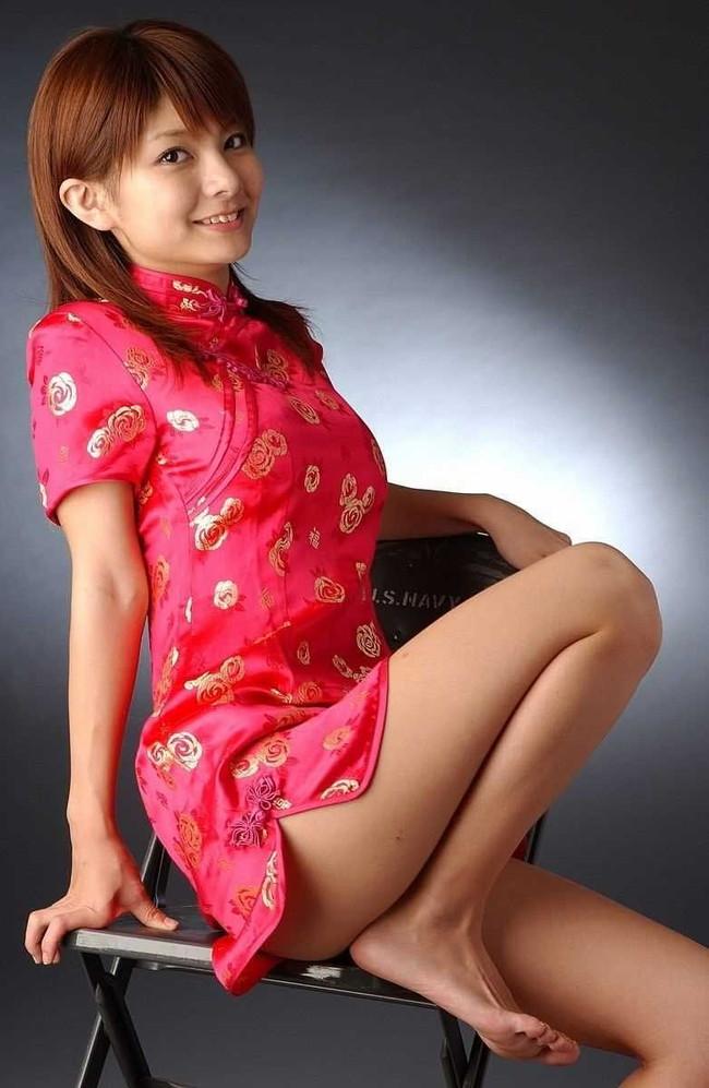 【ヌード画像】チャイナドレスってきらいな野郎はいないよな!スリットとパツパツ具合にコーフンするチャイナドレス画像集(50枚) 10