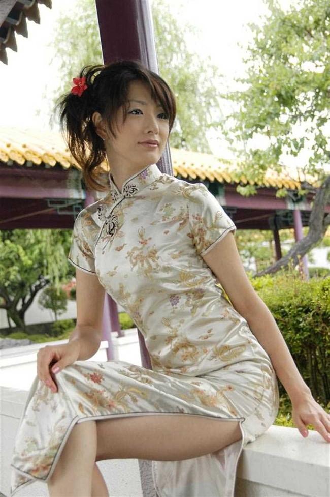 【ヌード画像】チャイナドレスってきらいな野郎はいないよな!スリットとパツパツ具合にコーフンするチャイナドレス画像集(50枚) 21