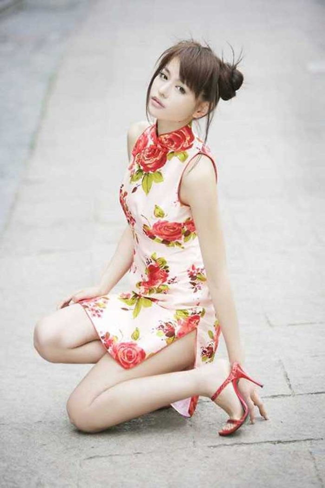 【ヌード画像】チャイナドレスってきらいな野郎はいないよな!スリットとパツパツ具合にコーフンするチャイナドレス画像集(50枚) 31