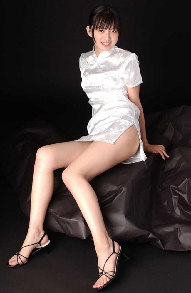 【ヌード画像】チャイナドレスってきらいな野郎はいないよな!スリットとパツパツ具合にコーフンするチャイナドレス画像集(50枚) 43