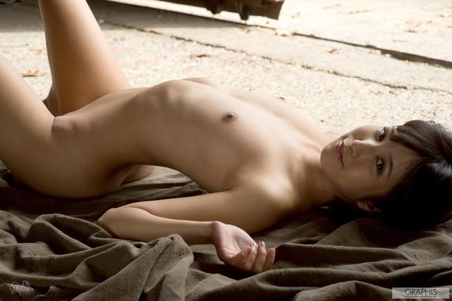 【ヌード画像】最強のショートボブAV女優湊莉久のワビサビのある超エロいヌード画像を集めたら究極にエロくなった!(50枚) 19