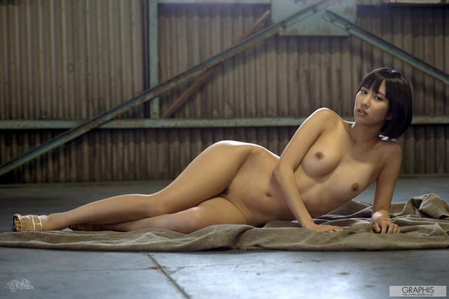 【ヌード画像】最強のショートボブAV女優湊莉久のワビサビのある超エロいヌード画像を集めたら究極にエロくなった!(50枚) 41