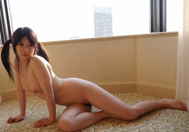 【ヌード画像】2割若く見えて5割かわいく見えるツインテールとかいう優良ヘアースタイル。ツインテ超似合ってるセクシー画像集(50枚) 15