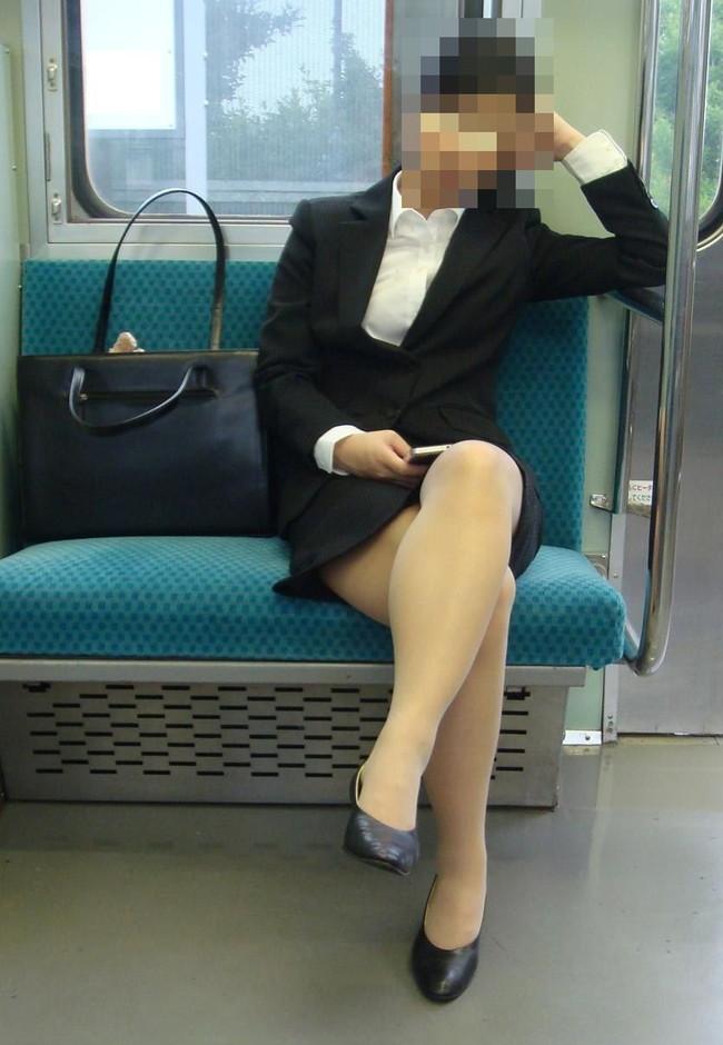 【ヌード画像】エロい!エロいぞリクルートスーツ!この初々しさとぴったりお尻のギャップ感がたまりません!(50枚) 06