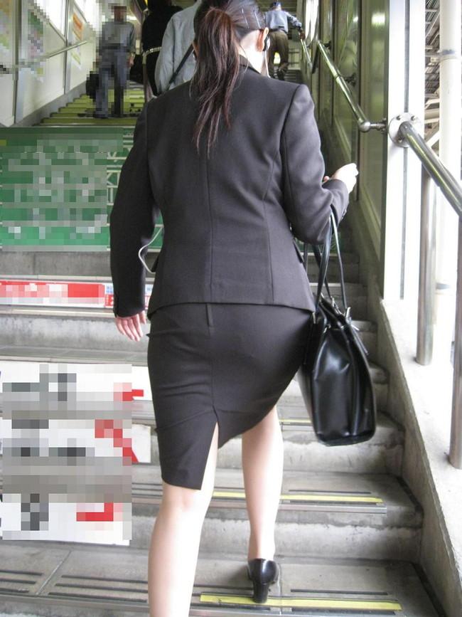 【ヌード画像】エロい!エロいぞリクルートスーツ!この初々しさとぴったりお尻のギャップ感がたまりません!(50枚) 10