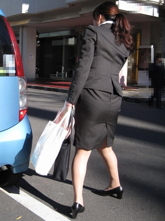 【ヌード画像】エロい!エロいぞリクルートスーツ!この初々しさとぴったりお尻のギャップ感がたまりません!(50枚) 16
