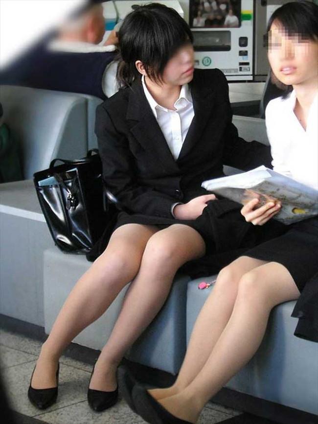 【ヌード画像】エロい!エロいぞリクルートスーツ!この初々しさとぴったりお尻のギャップ感がたまりません!(50枚) 26
