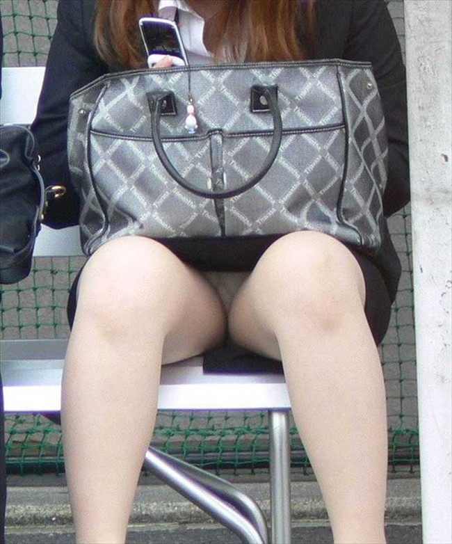 【ヌード画像】エロい!エロいぞリクルートスーツ!この初々しさとぴったりお尻のギャップ感がたまりません!(50枚) 35