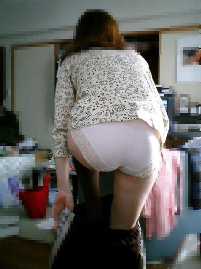 【ヌード画像】着替え中の女性って思いっきりエロいよね。着替後すぐまた脱がしたくなる超エロい着替え画像集!(50枚) 05