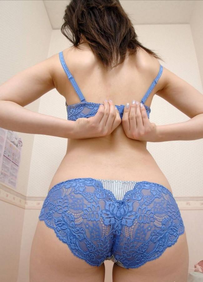 【ヌード画像】着替え中の女性って思いっきりエロいよね。着替後すぐまた脱がしたくなる超エロい着替え画像集!(50枚) 42
