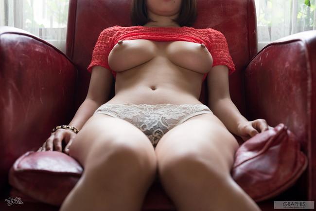 【ヌード画像】最強のAV女優松岡ちなの破壊力!!Hカップさえブレるこの美しさはなんなんだ!的な画像集(50枚) 12