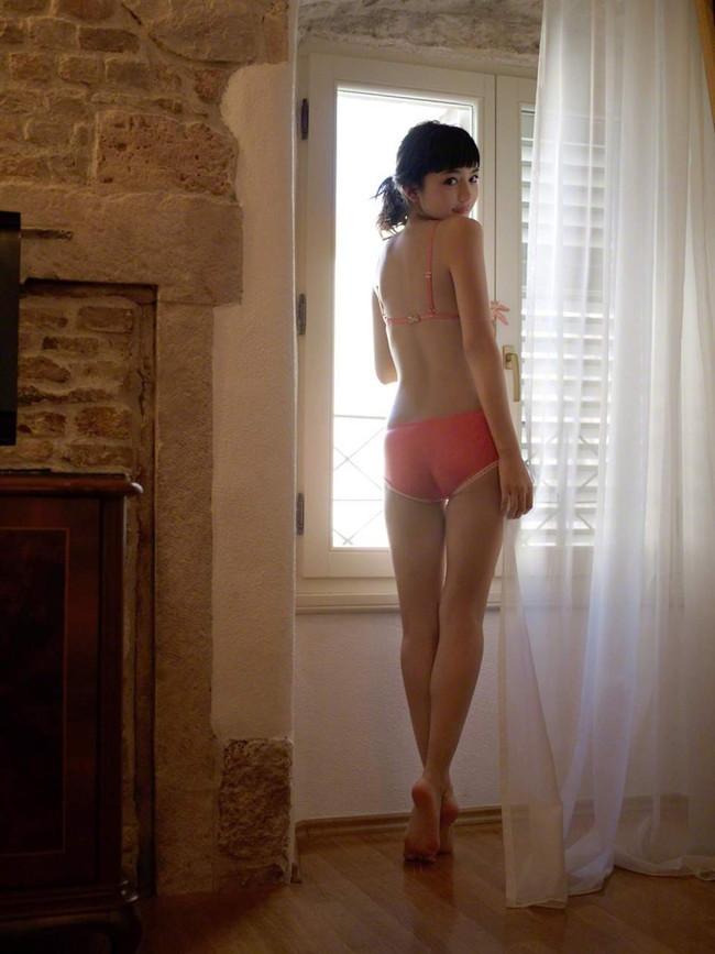 【ヌード画像】川口春奈の水着や下着のグラビア集めたら、かわいすぎてエロすぎて愛さずにはいられなくなってしまった・・・的画像集(50枚) 46