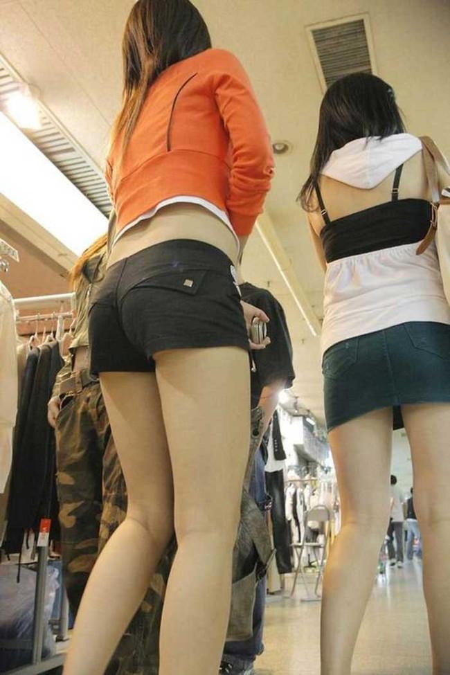【ヌード画像】キャミソールとか言うエロ的には超優良な服装が、普通に街中でも見れるようになった幸せをかみしめるキャミのエロ画像集(50枚) 08