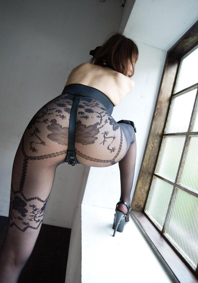 【ヌード画像】破られたパンストと網タイツから覗く生太ももと生美尻画像(30枚) 13