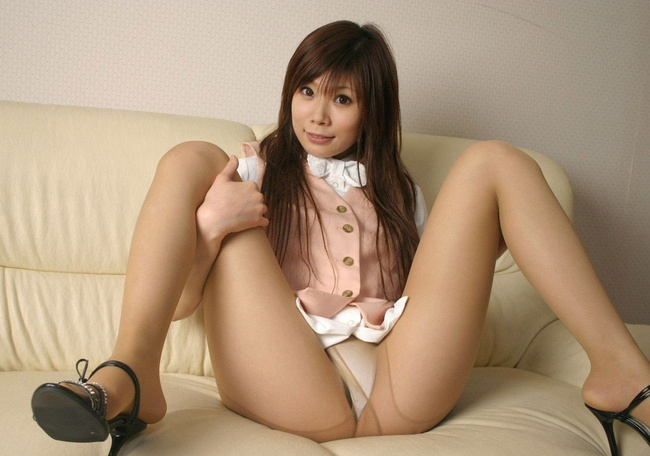 【ヌード画像】M字開脚で股おっぴろげて男を誘惑している画像(30枚) 20