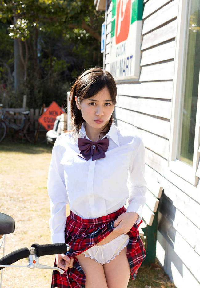 【ヌード画像】スカートたくし上げて下着を晒す淫乱美少女まとめ(30枚) 23