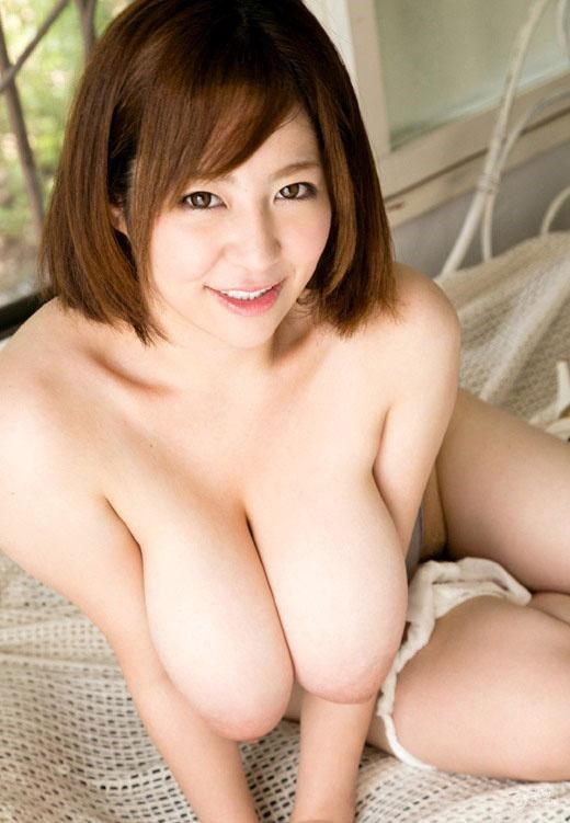 【ヌード画像】たわわな巨乳から驚愕の爆乳まで、でかいおっぱい画像(31枚) 22