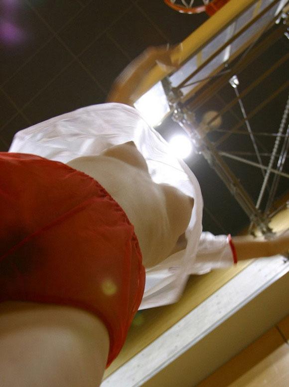 【ヌード画像】ローアングルから撮影した下乳が新鮮なエロさ(34枚) 05