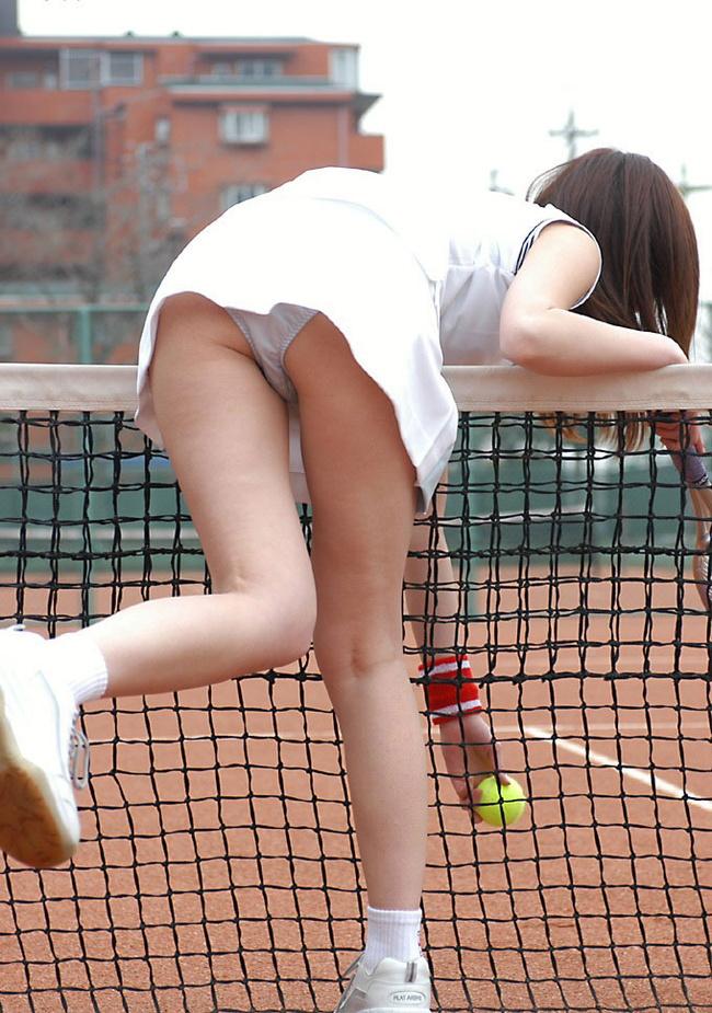 【ヌード画像】前屈み+ローアングルによるパンチラ・美尻・太もも(30枚) 13