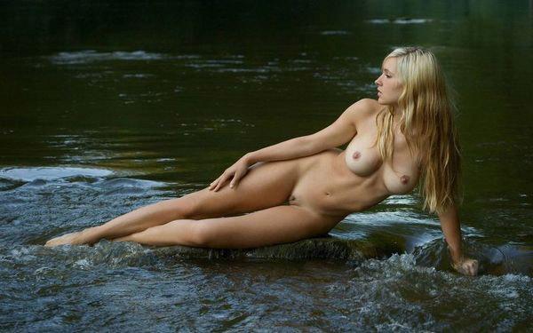 【ヌード画像】ブロンドヘアーの白人さんのフルヌード画像(31枚) 30