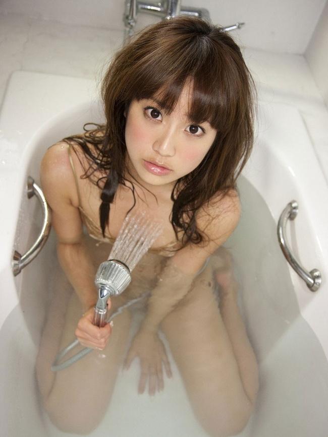 【ヌード画像】全裸でお風呂に浸かる女の子の画像(33枚) 28