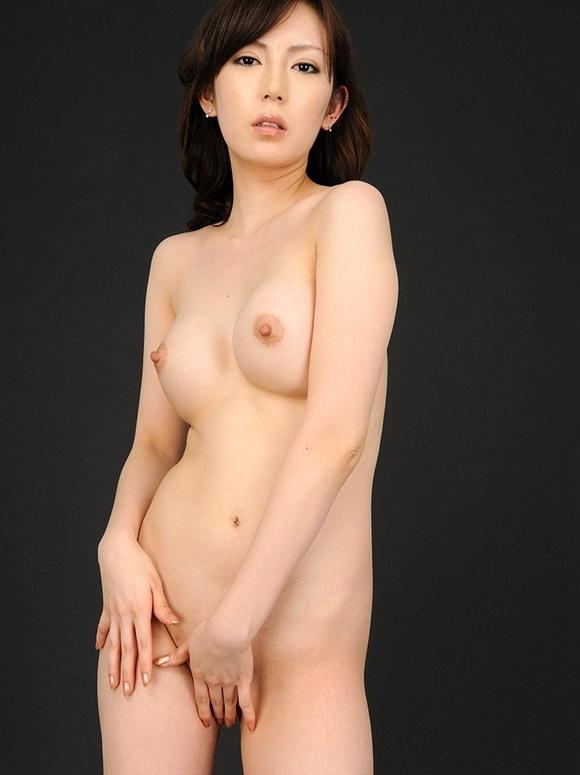 【ヌード画像】ヘアーも見えてる王道フルヌード画像(30枚) 23