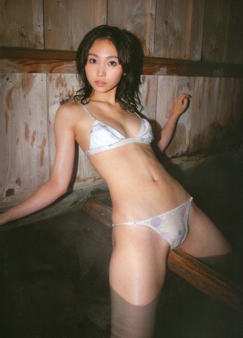 【ヌード画像】スタイル抜群すぎる吉木りさの水着画像(32枚) 24