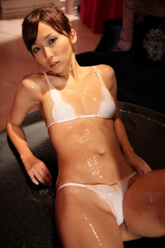 【ヌード画像】スタイル抜群すぎる吉木りさの水着画像(32枚) 28