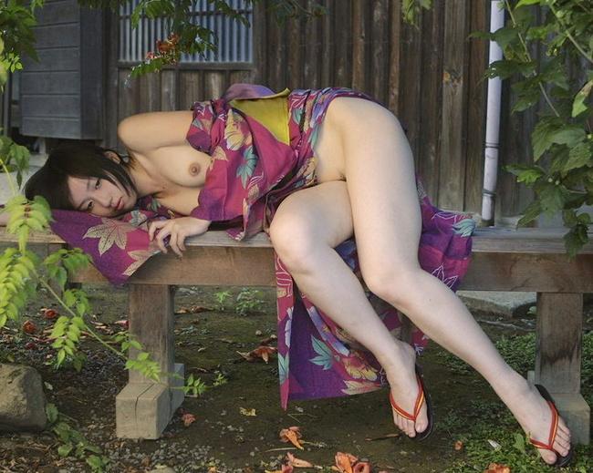【ヌード画像】温泉旅行や祭り帰りに脱がしたい浴衣(32枚) 01