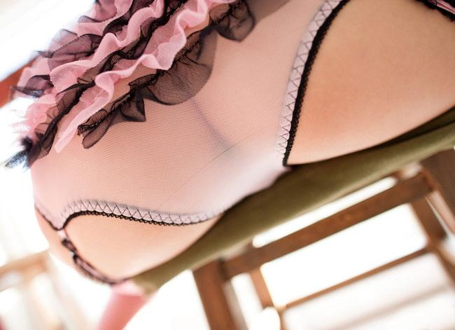 【ヌード画像】透け透けパンティーに包まれた美尻と陰毛(35枚) 03