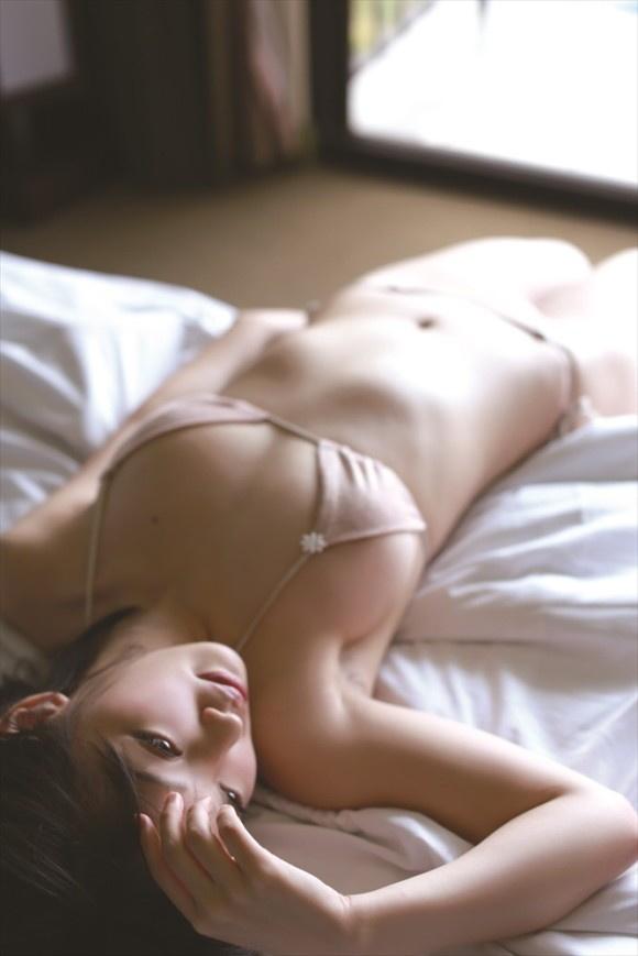 【ヌード画像】清楚なお嬢様系タレント安藤遥さんの水着画像(30枚) 13