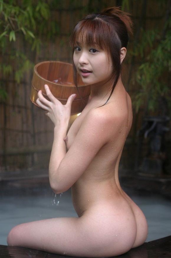 【ヌード画像】温泉で温まったしっとり女体のエロ画像(30枚) 13