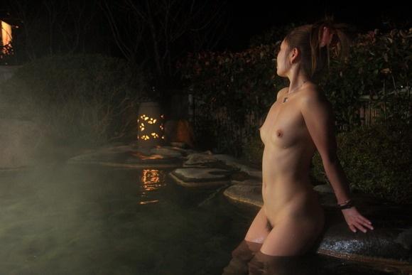 【ヌード画像】温泉で温まったしっとり女体のエロ画像(30枚) 16