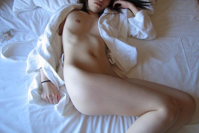 【ヌード画像】巨乳すぎず貧乳すぎない小ぶり美乳まとめ(30枚) 06