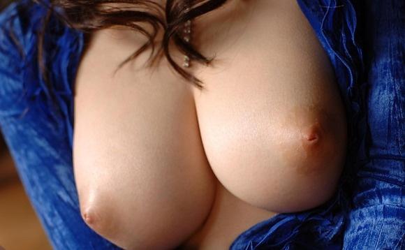 【ヌード画像】寄せて上げなくても大きい巨乳お姉さん画像(30枚) 19
