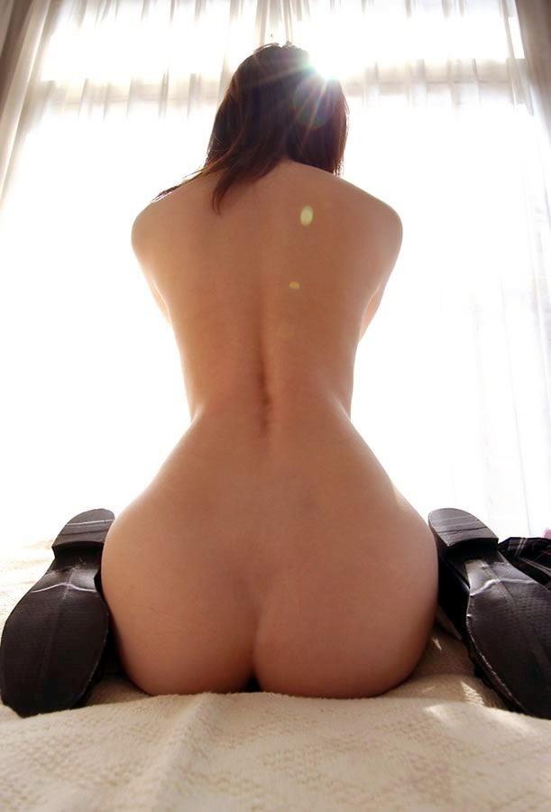 【ヌード画像】抜ける背中と抜ける美尻の贅沢フェチ画像(30枚) 23