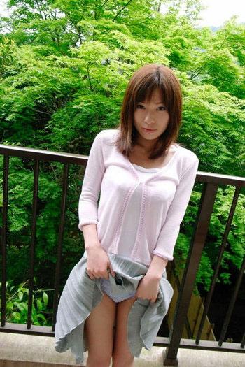 【ヌード画像】スカート捲ってくれているありがたい女の子(32枚) 19