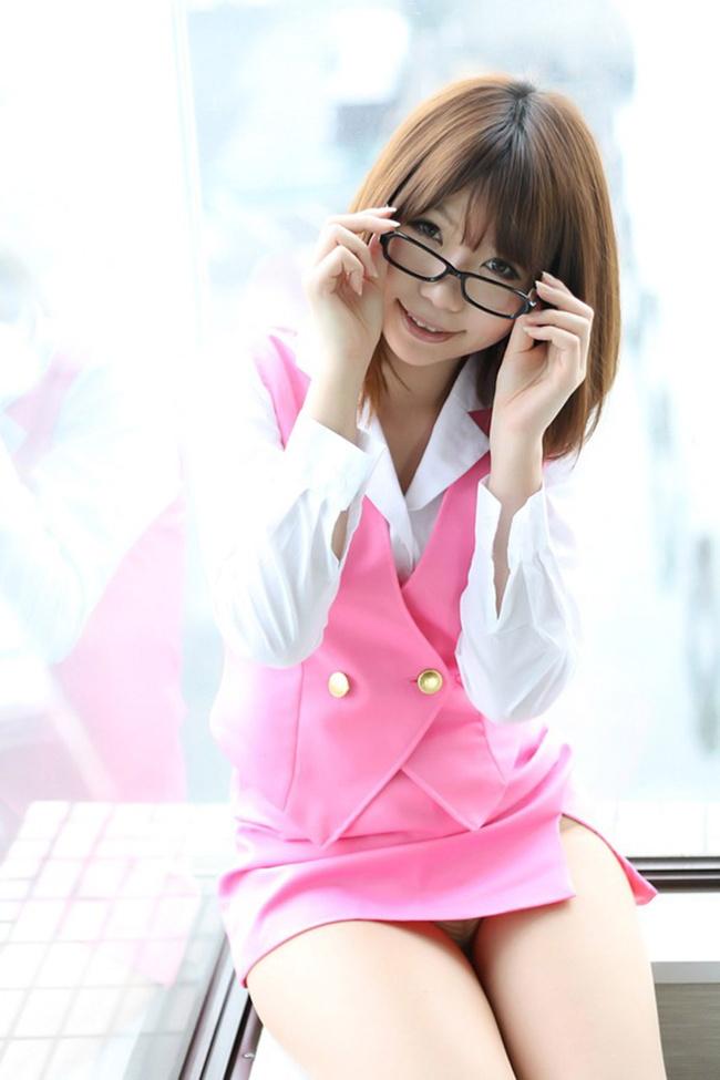 【ヌード画像】縁ありのメガネをかけている女性はエロい(30枚) 20