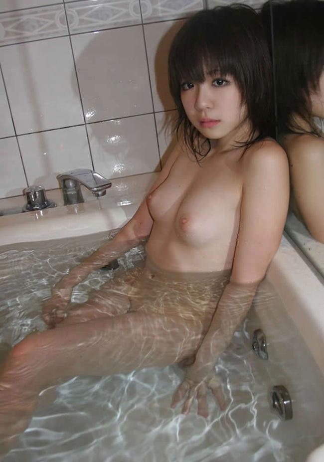 【ヌード画像】風呂が自宅で一番エロいスポットと思える入浴画像(30枚) 02