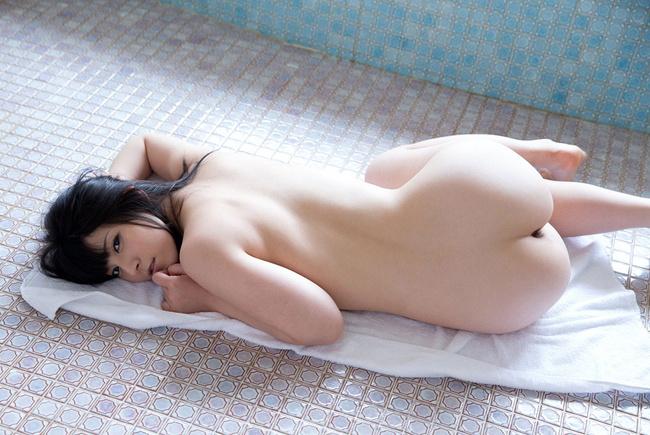 【ヌード画像】背中とくびれが語る、その女性のエロさ(30枚) 30